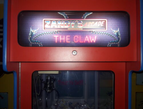 Zandy's Arcade – The Claw!!!